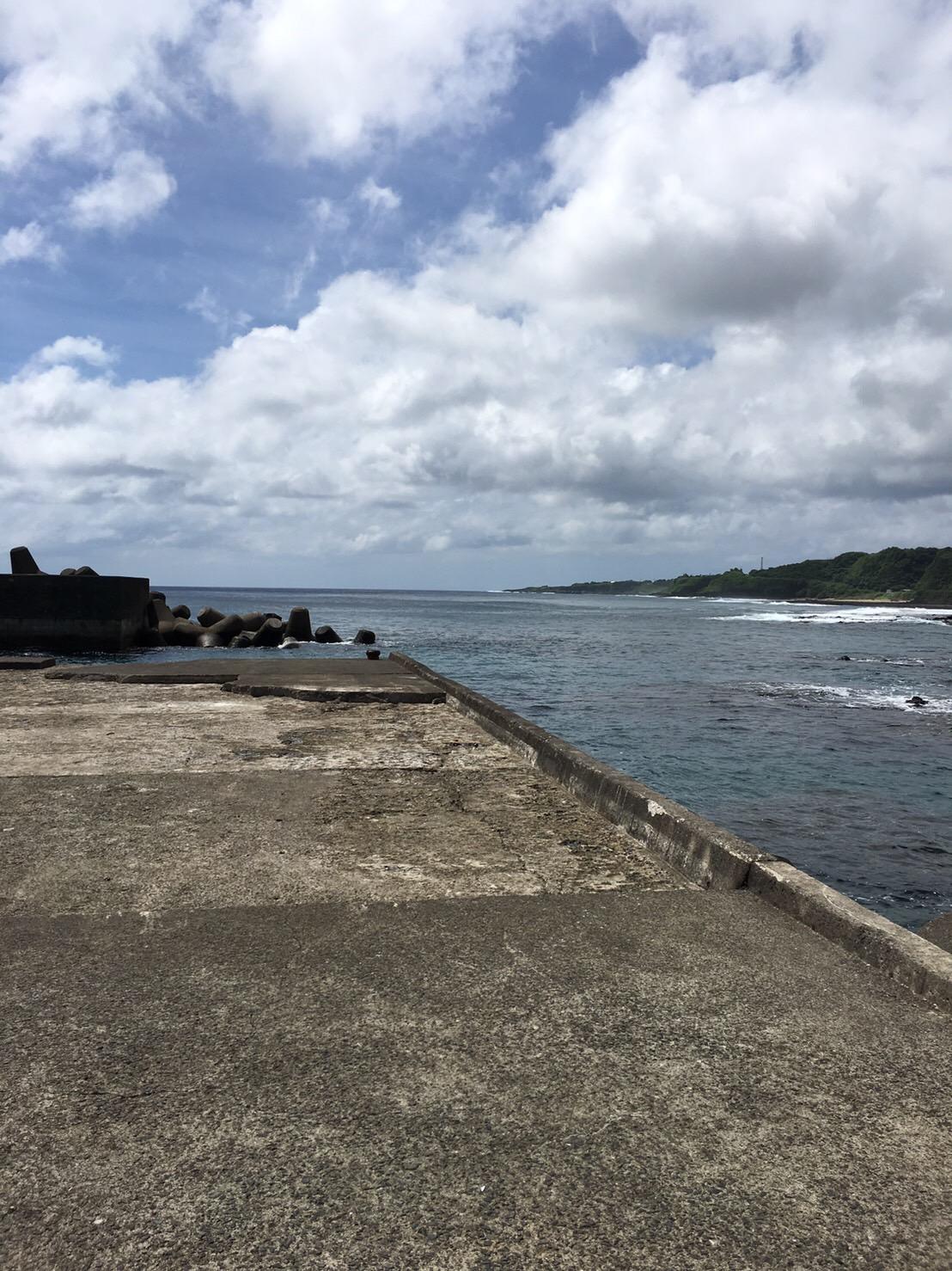 鹿浦港の釣り場紹介、鹿児島徳之島でデカイカとGTを狙える漁港