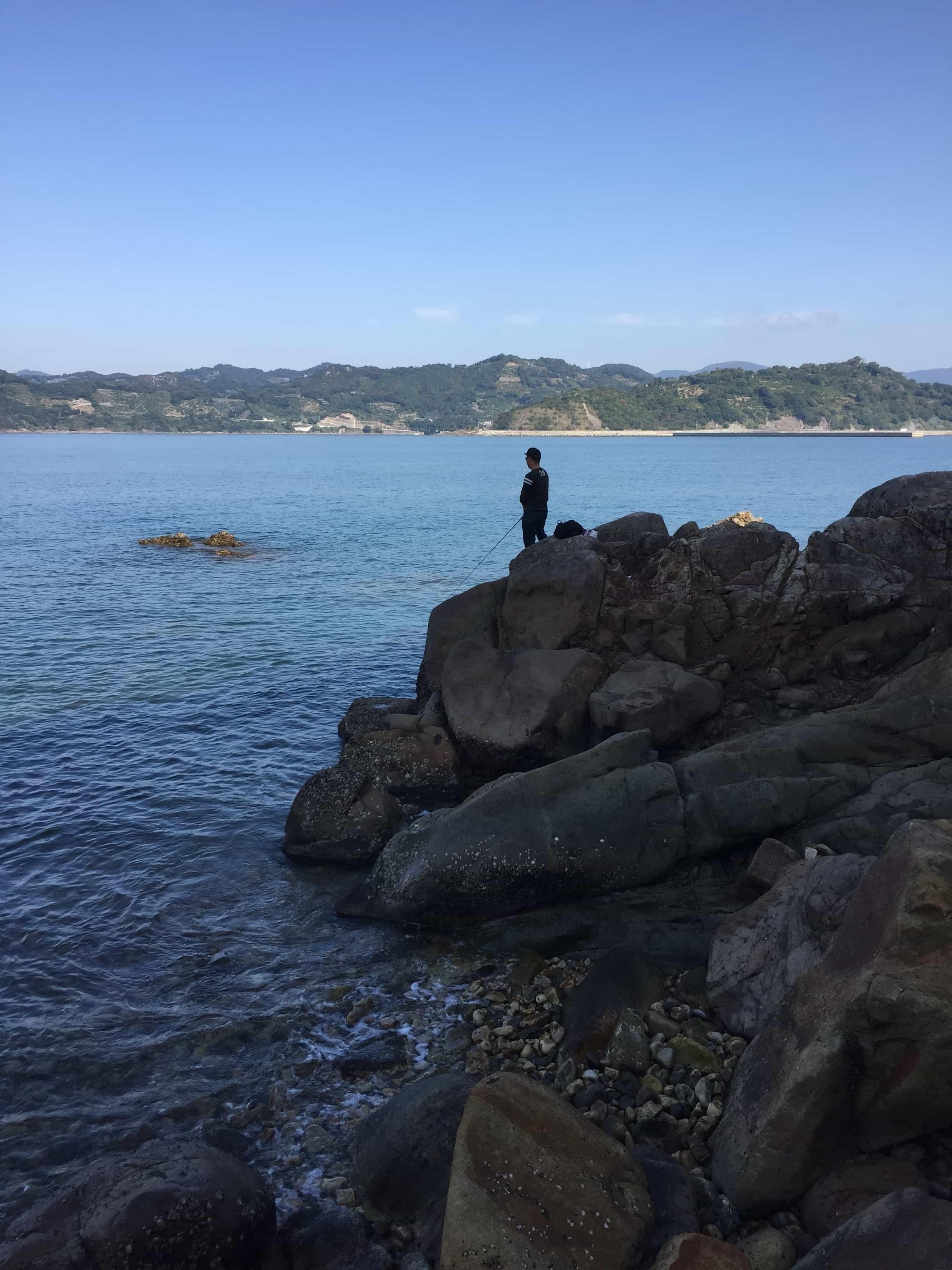 和歌山有田の穴場エギングポイント白木海岸地磯の釣り場紹介、オススメのシャローで秋イカ数釣りエギング
