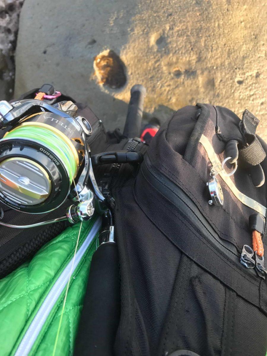 オススメのフローティングベスト・ライフジャケットと選び方。ショアジギング・エギングで便利な使い方