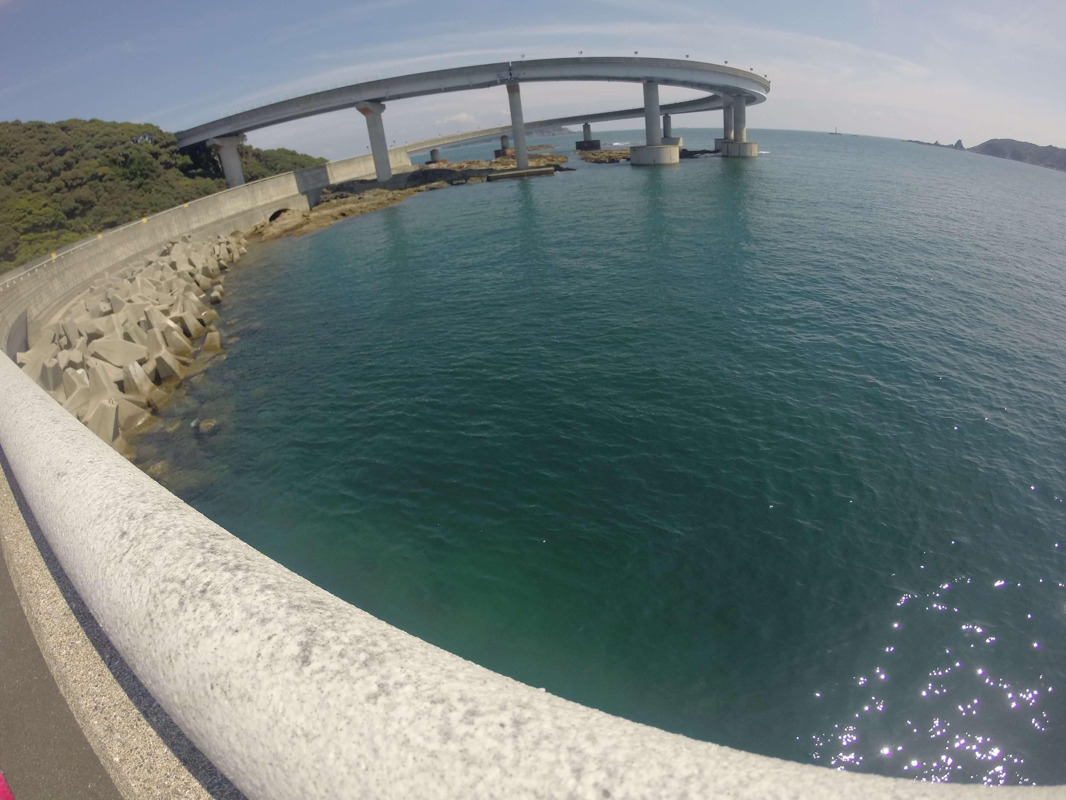 苗我島がスイフトのCMロケ地のループ橋