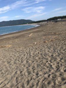 煙樹ヶ浜東の日高川側は砂浜でキスが釣れる