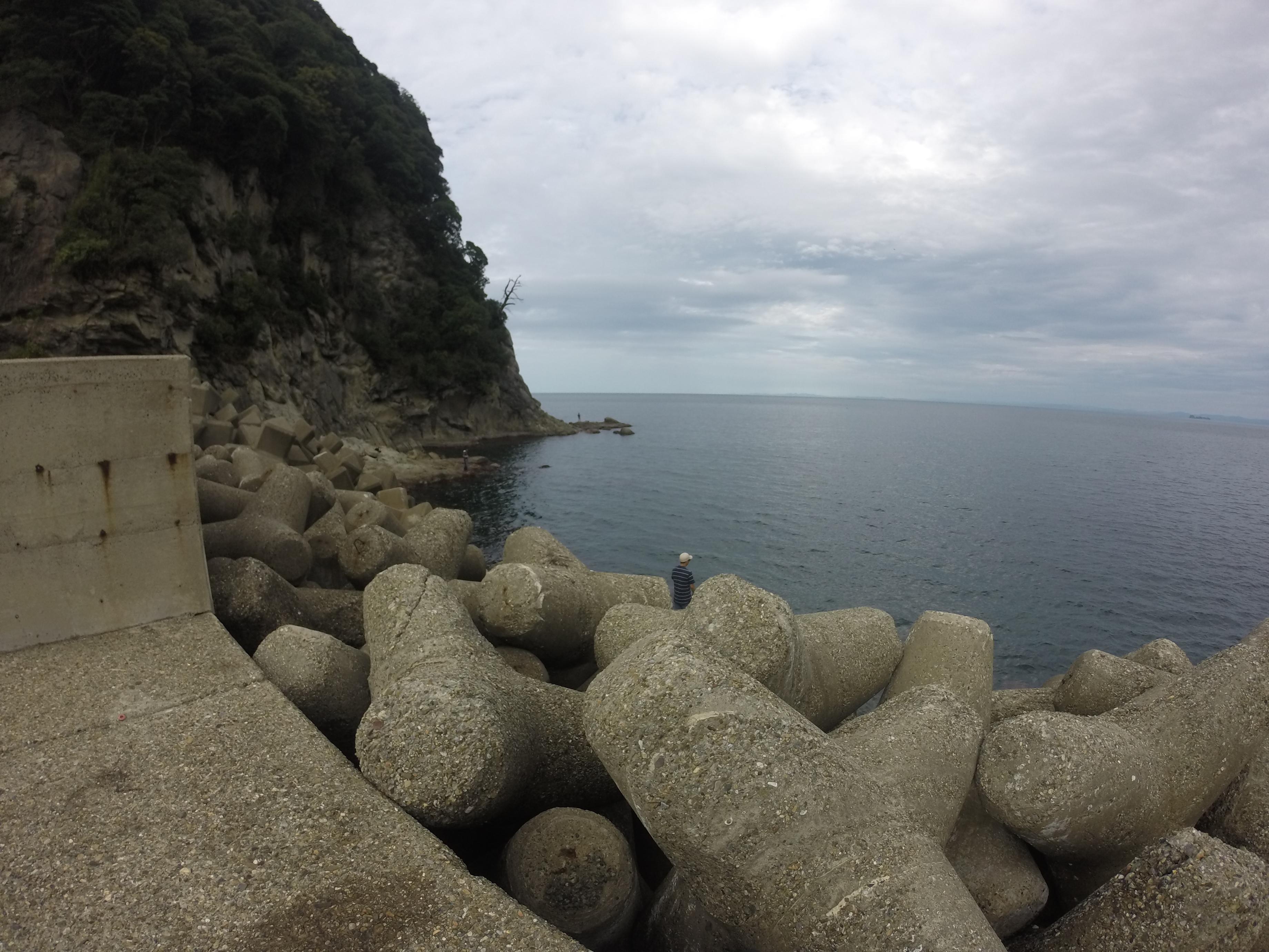 日本海京都丹後のエギングにオススメのポイント、蒲入漁港の釣り場紹介、絶品漁港めしも!