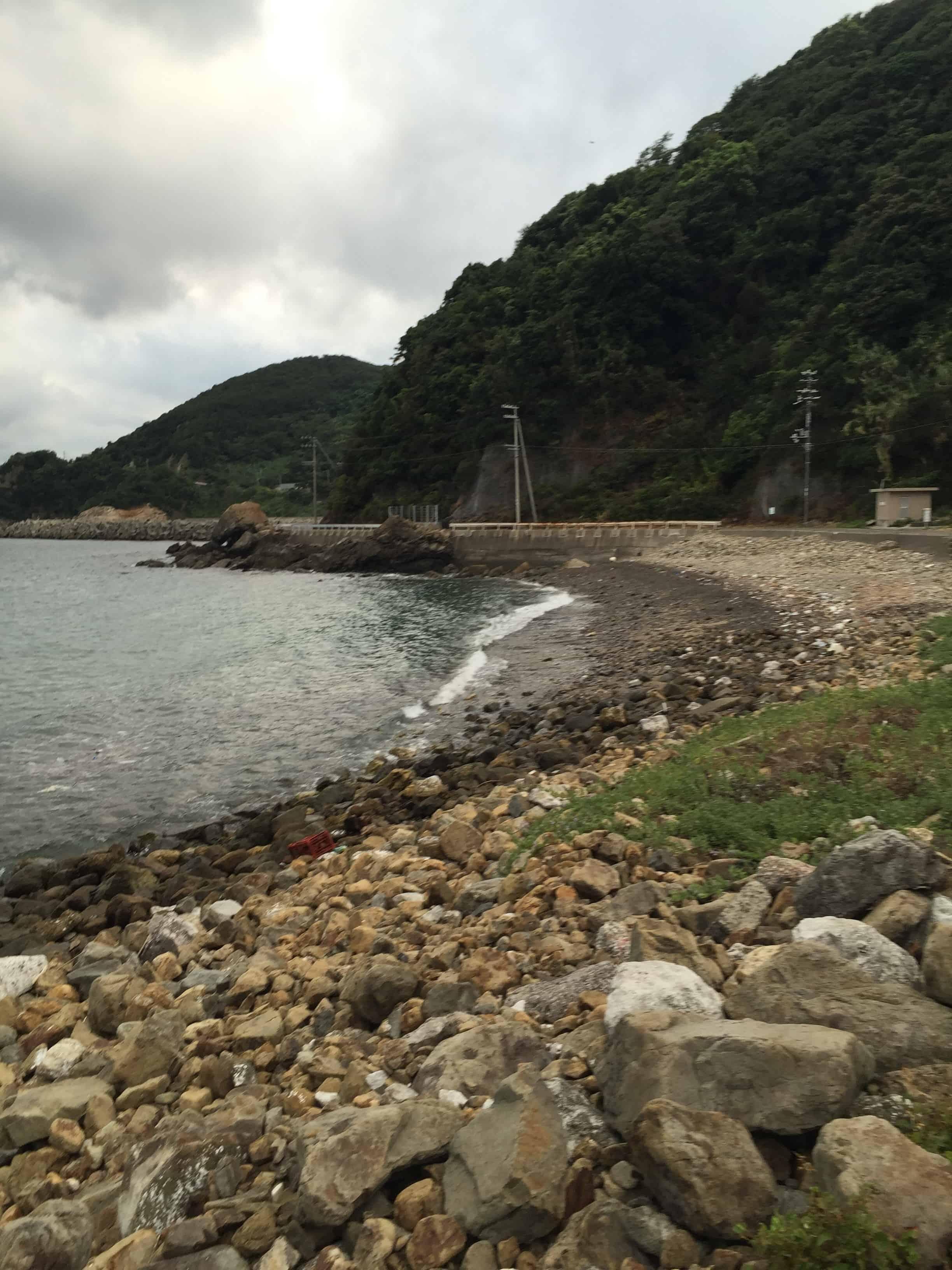 小引ゴロタ浜の釣り場紹介、和歌山県中紀にあるエギングにオススメのゴロタ浜と地磯