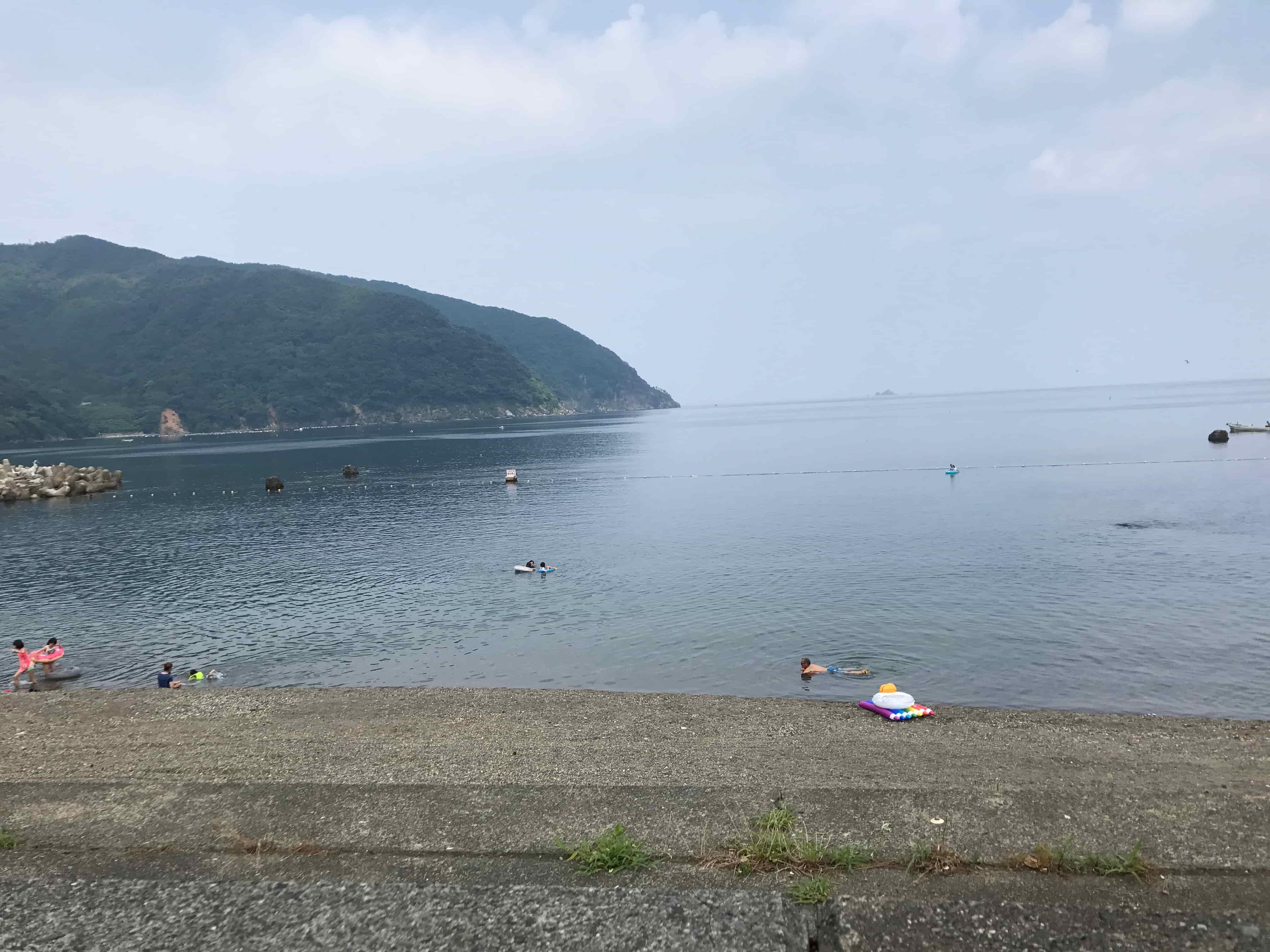釣行記というか福井の海水浴場でバーベキュー連休でも穴場で空いてましたよ報告