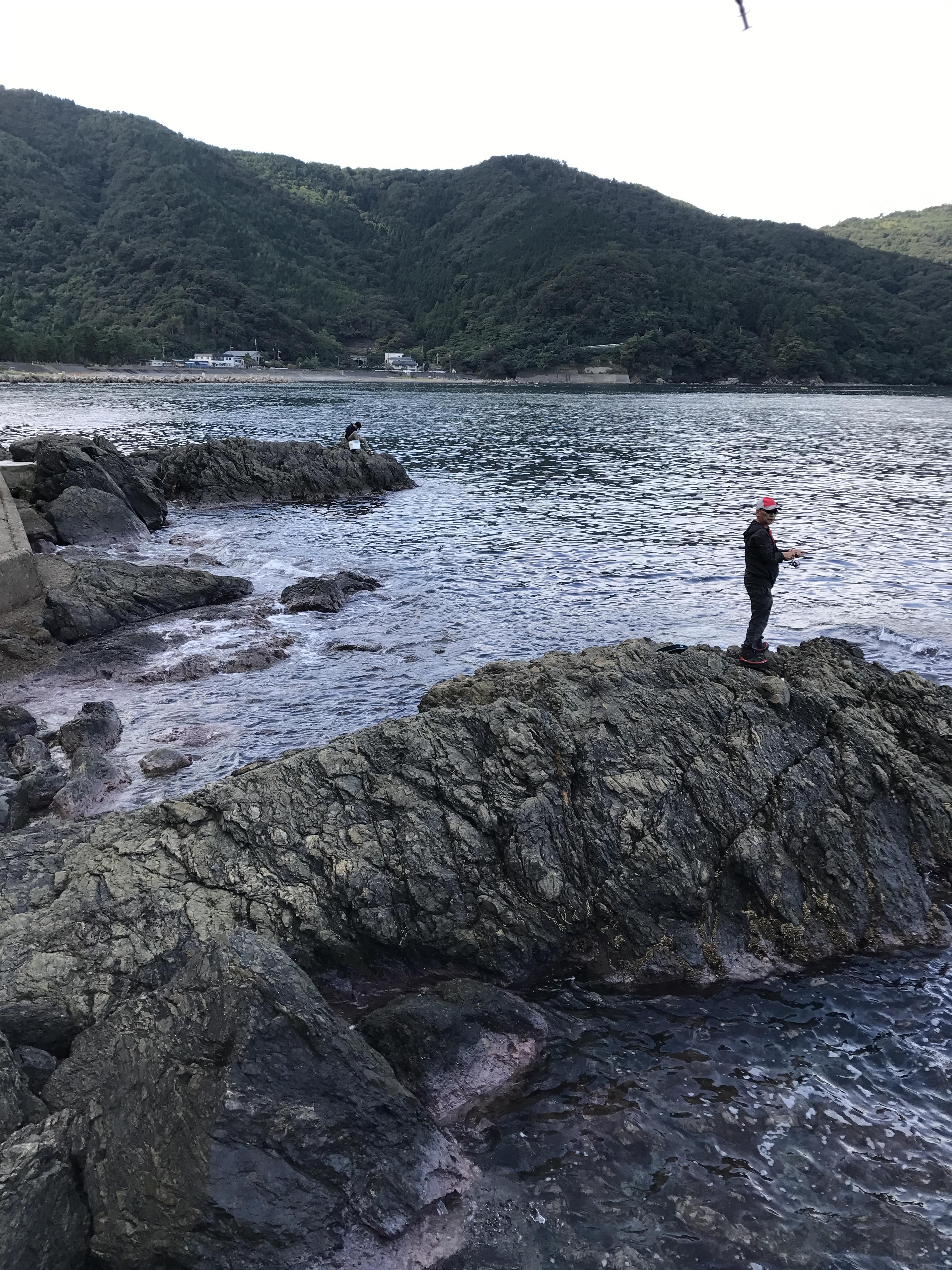食見海岸地磯の釣り場紹介、福井常神半島の春イカ秋イカエギングでオススメの海水浴もできる穴場ポイント
